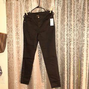 Style&Co size 4 Nwt. BLACK JEANS.